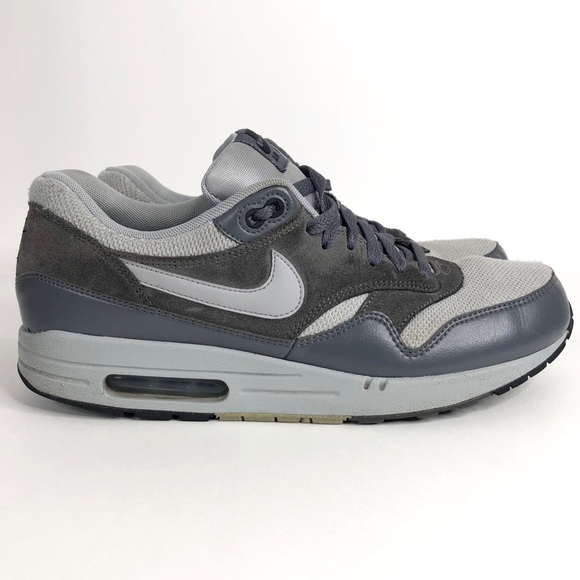 low priced d6fa1 a2a36 Nike Air Max 1 Wolf Grey Sneakers. M 5c94fe2e34a4ef4f667d6511